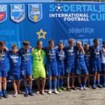 2006 poisid osalesid juuli lõpus Rootsis Sif Cupil