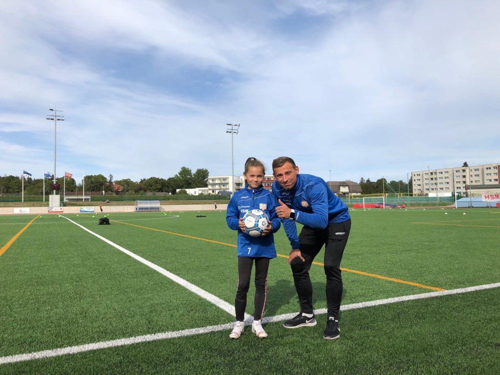 Rimi jalgpalli stipendiumi võitja liitus JK Tabasalu tüdrukute tiimiga