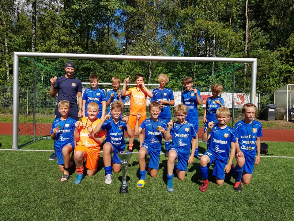2008 grupi poisid võitsid Saku Cupil I koha